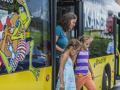 KaiserJet: Hiking and swimming bus for free
